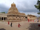 picture of great living chola temples  - The Brihadisvara Temple at Thanjavur is a Hindu temple dedicated to Shiva and an art of the work achieved by Cholas in Tamil architecture - JPG
