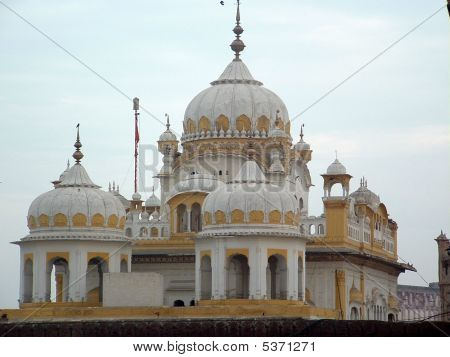 Arjun Dev Sikh Golden Temple