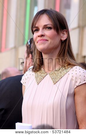 LOS ANGELES - NOV 8:  Hilary Swank at the Mariska Hargitay Hollywood Walk of Fame Star Ceremony at Hollywood Blvd on November 8, 2013 in Los Angeles, CA\