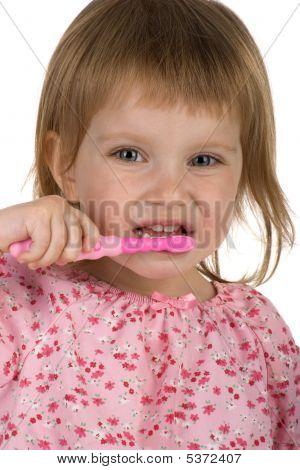 hübsch junges Mädchen putzen ihre Zähne