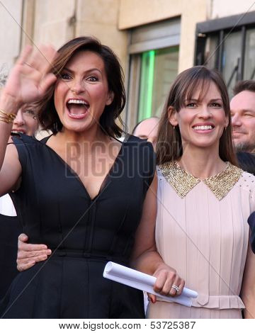 LOS ANGELES - NOV 8:  Mariska Hargitay, Hilary Swank at the Mariska Hargitay Hollywood Walk of Fame Star Ceremony at Hollywood Blvd on November 8, 2013 in Los Angeles, CA\