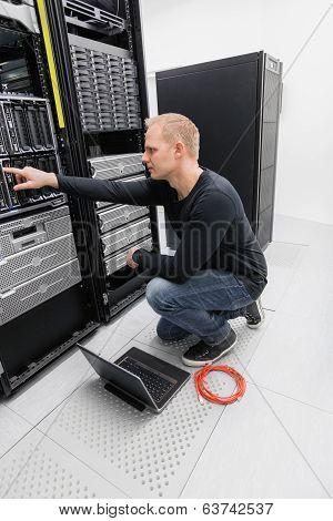 It consultant in datacenter