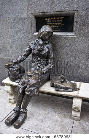 Eleanor Rigby Sculpture In Liverpool