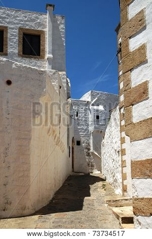 Typical Greek narrow alley