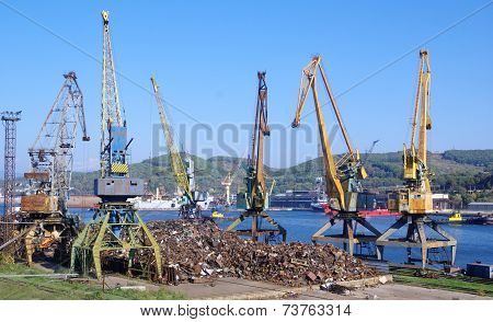 Recycling, Loading Scrap Russia.