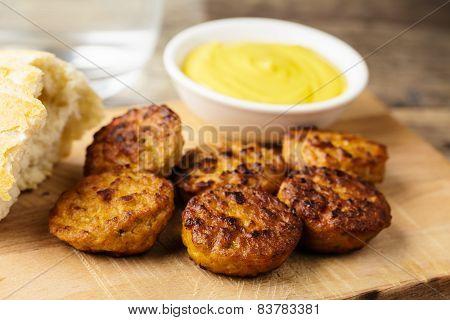 Beefsteak Bites With Mustard