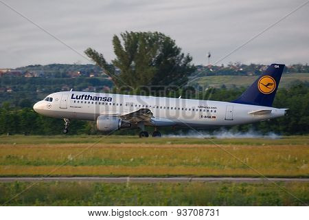 BUDAPEST, HUNGARY - MAY 27: Lufthansa A320 landing at Budapest Liszt Ferenc Airport, May 27th 2015. Lufthansa is the largest airline of Europe