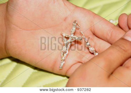 Kreuzung zwischen den Händen