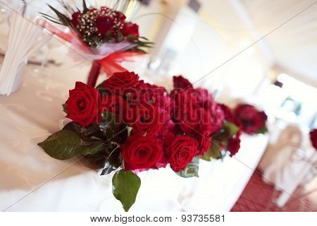 Red Bouquet For Wedding Table