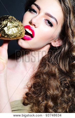 Divine Pretty Young Girl With Golden Bread Roll