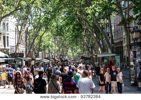 Barcelona, Catalunya- June 12Th 2015: Street View With People In Las Ramblas