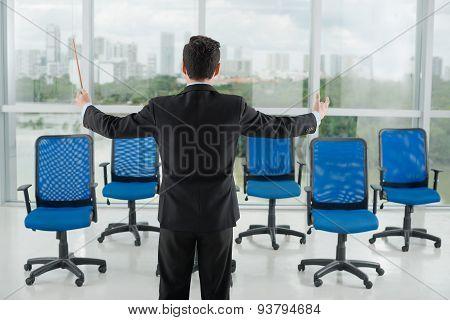 Conducting businessman