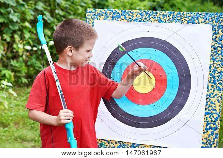Little Archer With Bow Pull Out Arrow From Aim