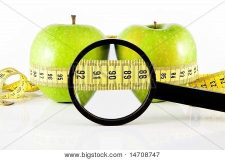 zwei Apple Meter und Lupe