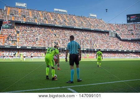 VALENCIA, SPAIN - SEPTEMBER 11th: Joaquin (L) and Referee Gonzalez during Spanish League match between Valencia CF and Real Betis at Mestalla Stadium on September 11, 2016 in Valencia, Spain