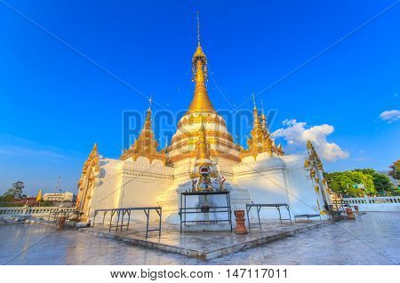 Wat Jongklang - Wat Jongkham temple the most favourite place for tourist in Mae hong son near Chiang mai Thailand with blue sky