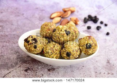 Hemp protein brazil nut raisin energy balls