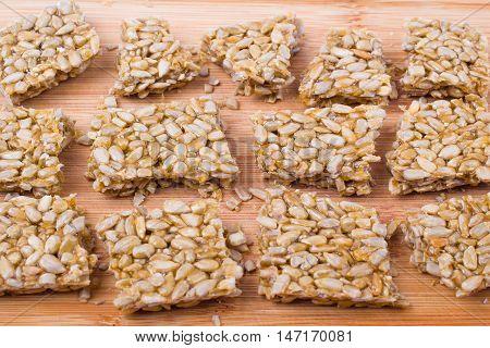 Gozinaki: sunflower seeds isolated d d d