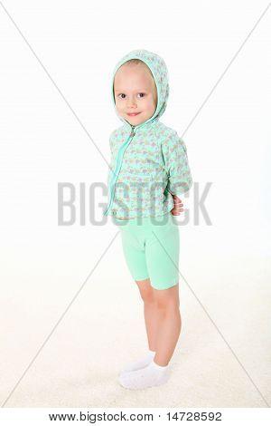 kleines Mädchen Gymnastik zu tun