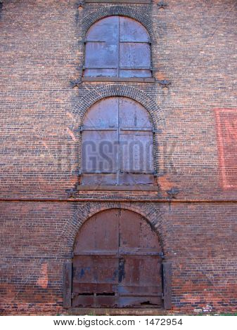 Old Industrial Building In Empire-Fulton Ferry State Park