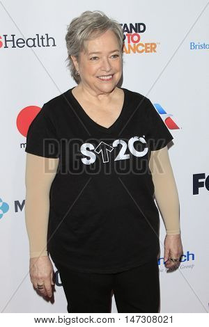 LOS ANGELES - SEP 9:  Kathy Bates at the 5th Biennial Stand Up To Cancer at the Walt Disney Concert Hall on September 9, 2016 in Los Angeles, CA