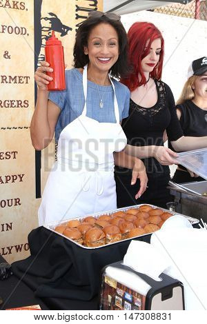 LOS ANGELES - SEP 9:  Anne-Marie Johnson, guest at the Police and Fire Fighters Appreciation Day BBQ at the LAPD Hollywood Division on September 9, 2016 in Los Angeles, CA