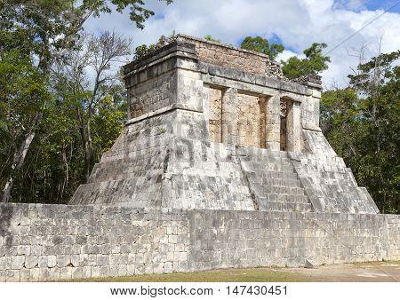 Chichen Itza pyramid Yucatan . Mexico .