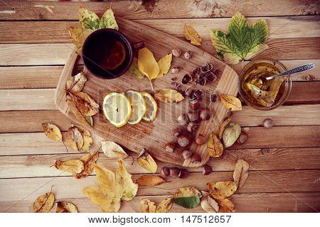 Green Tea With Honey And Hazelnuts