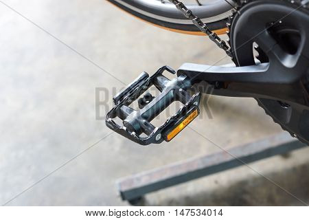 Bicycle pedal / bicycle equipment / bicycle maintenance concept