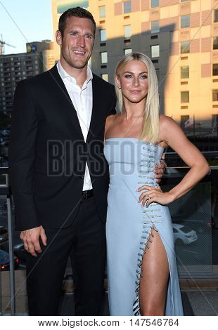 LOS ANGELES - SEP 10:  Julianne Hough and Brooks Laich arrives to the Celebration of Dance Gala 2016 on September 10, 2016 in Hollywood, CA