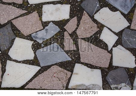 каменная кладка на цоколе дома, текстура камня