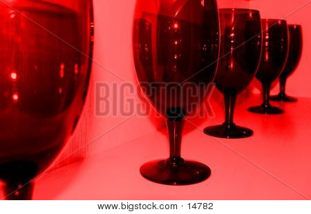 WINE GLASSES TINTED