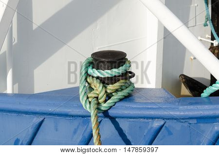a mooring rope from the boat to land that secure the boat to land