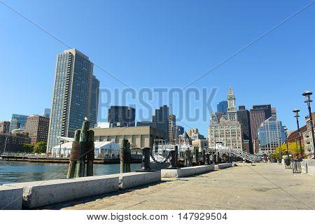 BOSTON - OCT 2: Boston Custom House in Financial District on October 2, 2013 in Boston, Massachusetts, USA.