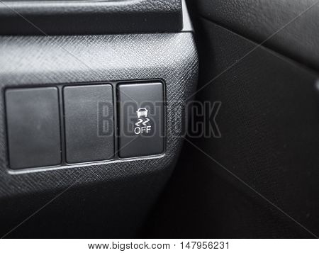 Slippery indicator button in vehicle for safety when rainy