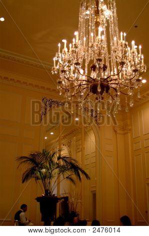 Elegant Dining Room Chandlier