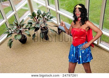Mujer en traje