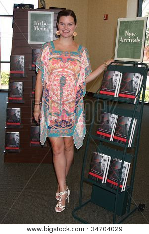 LOS ANGELES - JUL 8:  Heather Tom at the William J. Bell Biography Booksigning at Barnes and Noble on July 8, 2012 in Costa Mesa, CA