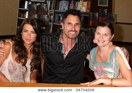 LOS ANGELES - JUL 8:  Jacqueline MacInnes Wood, Don Diamont, Heather Tom at the William J. Bell Biography Booksigning at Barnes and Noble on July 8, 2012 in Costa Mesa, CA