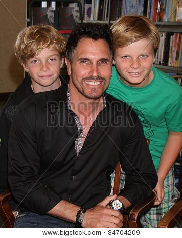 LOS ANGELES - JUL 8:  Don Diamont, twin sons  Anton and Davis at the William J. Bell Biography Booksigning at Barnes and Noble on July 8, 2012 in Costa Mesa, CA
