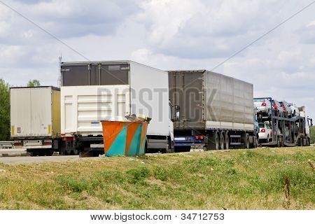 Caminhão de estacionamento de carga