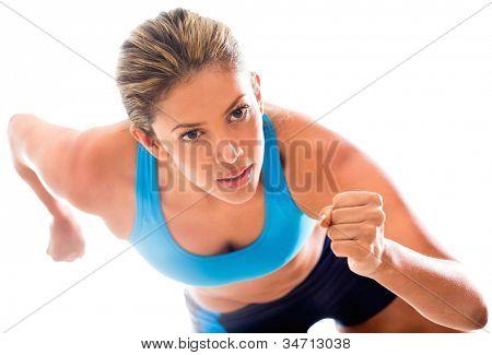 Atleta competidor executando - isolado sobre um fundo branco