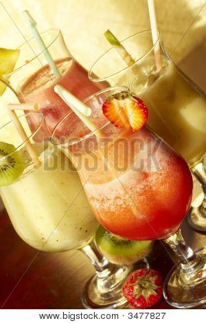 Four Nonalcoholic Freshening Drink