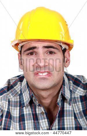 Generator mit gequält Ausdruck in Gesicht