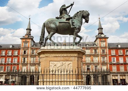 Equestrian monument to Philip III Habsburg in Plaza Mayor in Madrid, Spain.
