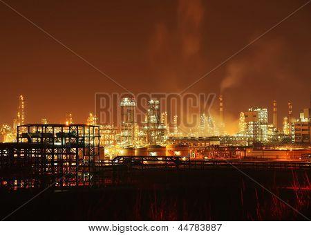 Planta industrial de refinaria de petróleo