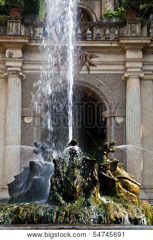 Dragons Fountain, Villa D'este - Tivoli