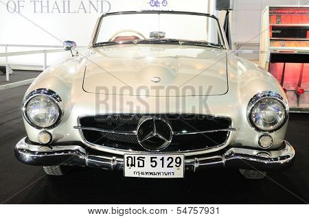 Bkk - Nov 28: Mercedes Benz 190 Sl, Vintage Convertible Car, On Display At Thailand International Mo