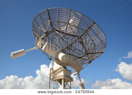 Radio Telescope Facing Skyward
