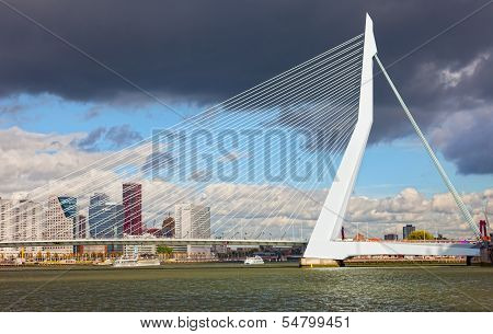 Erasma Bridge to Rotterdam Nideranda